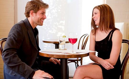 femminile linguaggio del corpo di incontri