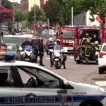 Francia, due terroristi entrano in chiesa e sgozzano un prete: l'Isis rivendica