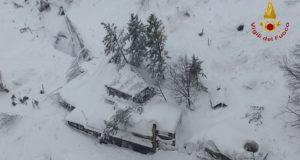 Valanga di neve sull'Hotel Rigopiano