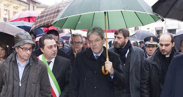 Paolo Gentiloni visita le zone colpite dal maltemo e terremoto