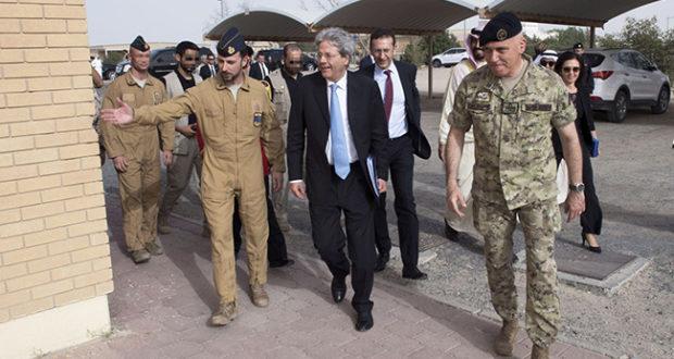 Paolo Gentiloni in visita in Kuwait