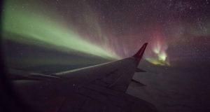 Aurora boreale vista da un aereo